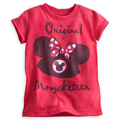 Light up the night in this spooktacular t-shirt showcasing Minnie Mouse's haunting Halloween persona. With colorful character artwork and glow-in-the-dark detailing, this t-shirt is festively frightful!